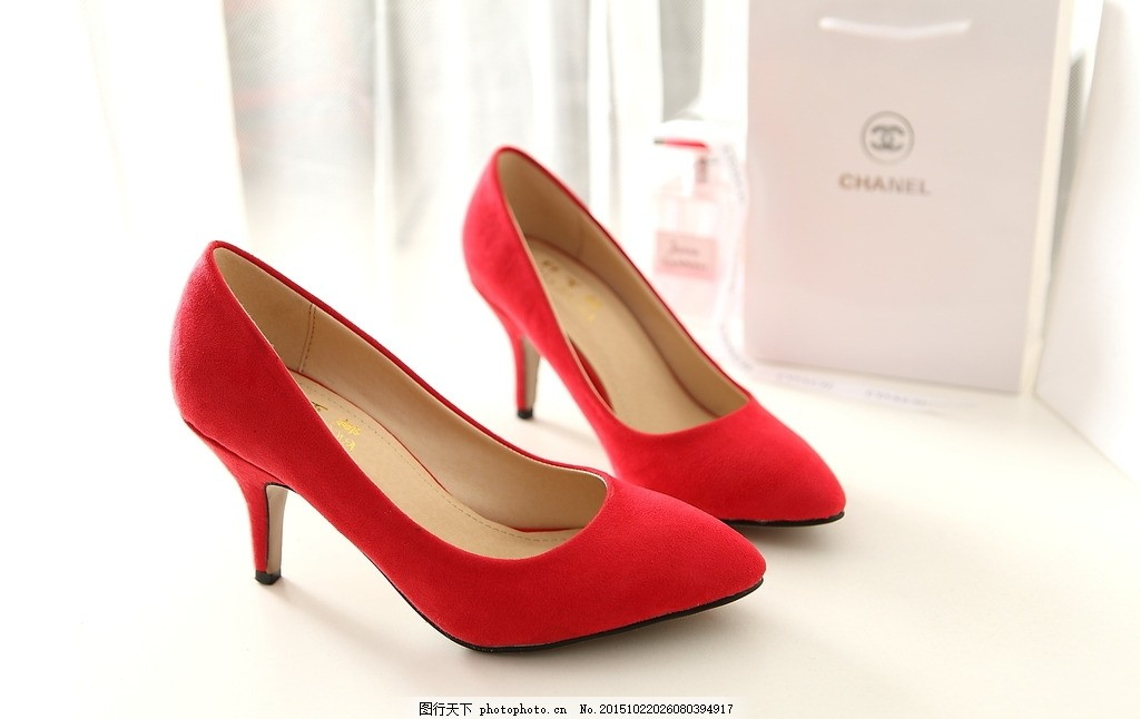 红色女高跟鞋 女鞋 红鞋 鞋子 细跟鞋 摄影 家居生活