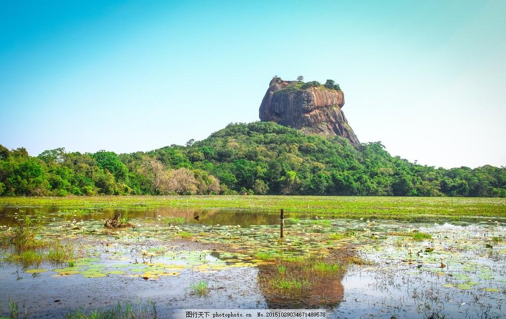 设计图库 自然景观 风景名胜  狮子岩 宫殿遗址 红色岩石 远山 森林