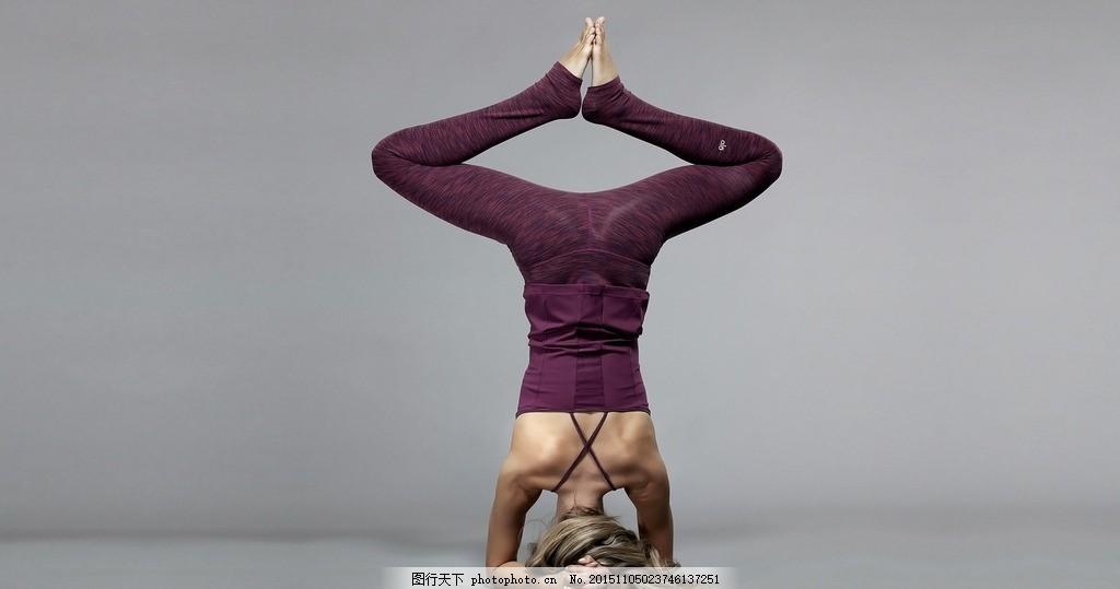 瑜伽运动女孩背影
