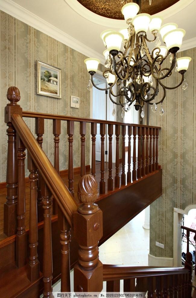 现代欧式室内 墙纸效果 欧式吊灯 欧式楼梯 扶手 家居装潢 墙纸 欧式